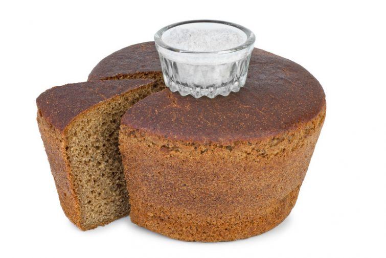 Salz und Brot zum Einzug